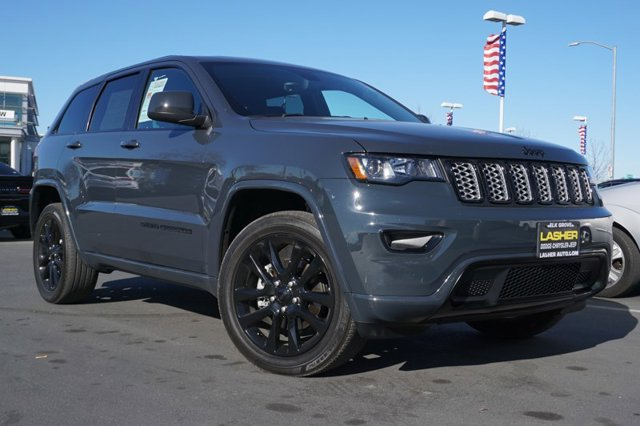 Used 2017 Jeep Grand Cherokee Altitude 4x4