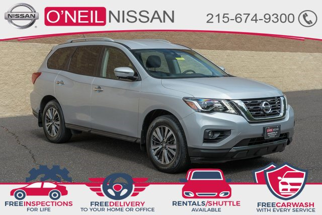 2017 Nissan Pathfinder SL 4x4 SL Regular Unleaded V-6 3.5 L/213 [1]