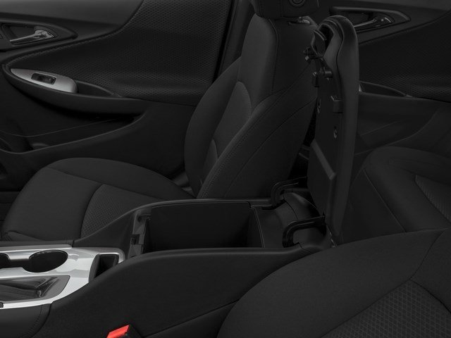 New 2017 Chevrolet Malibu 4dr Sdn LT w-1LT