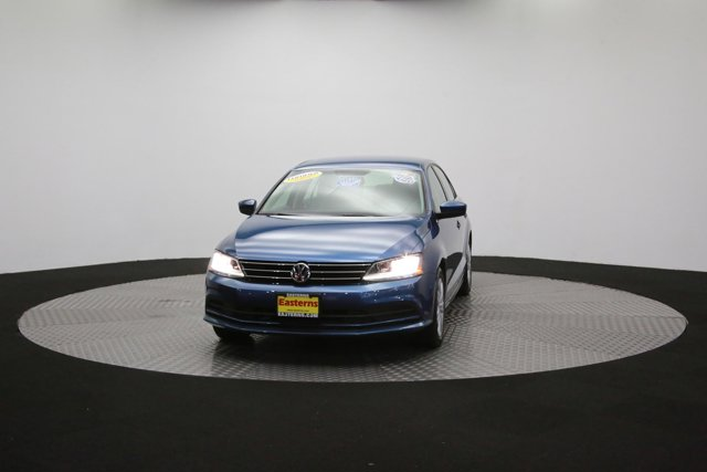 2017 Volkswagen Jetta for sale 124242 49