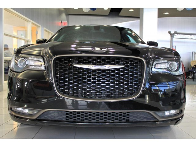 2016 Chrysler 300 S V6 photo