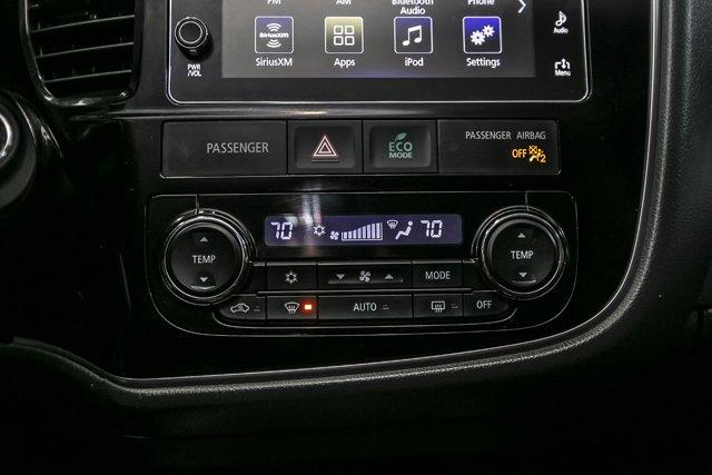 Used 2017 Mitsubishi Outlander SE 4WD
