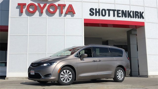 Used 2017 Chrysler Pacifica in Quincy, IL