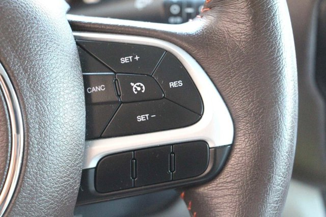 2015 Jeep Renegade Latitude 27