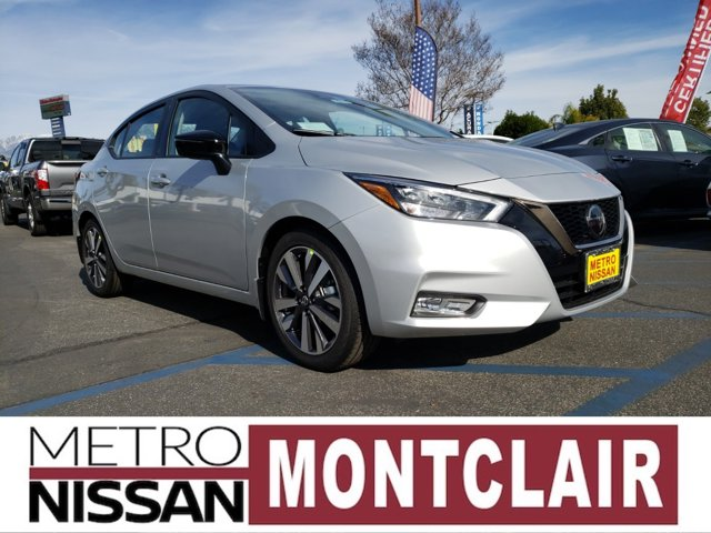 2020 Nissan Versa SR SR CVT Regular Unleaded I-4 1.6 L/98 [4]