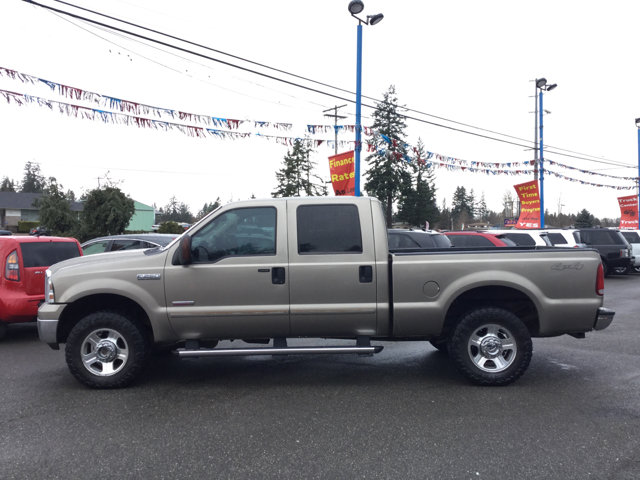 Used 2005 Ford Super Duty F-250 Crew Cab 156 Lariat 4WD