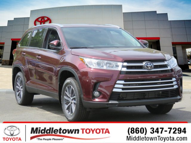 New 2019 Toyota Highlander in Middletown, CT