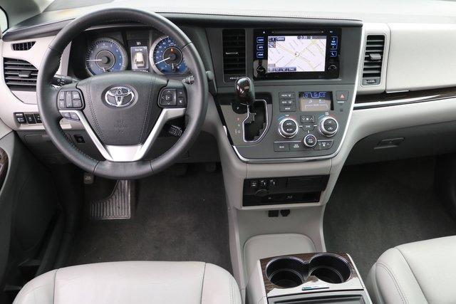 2016 Toyota Sienna XLE Premium FWD