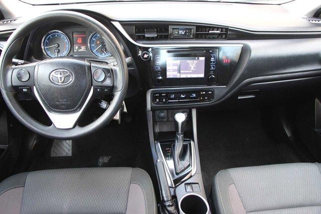2018 Toyota Corolla LE 15