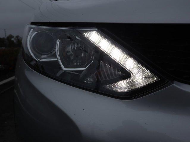 2018 Nissan Rogue Sport S Brilliant Silver