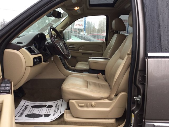 Used 2012 Cadillac Escalade AWD 4dr Luxury