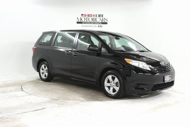 Used 2017 Toyota Sienna in Cleveland, OH