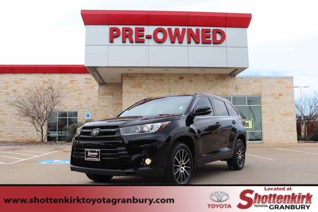 Used 2017 Toyota Highlander in Granbury, TX