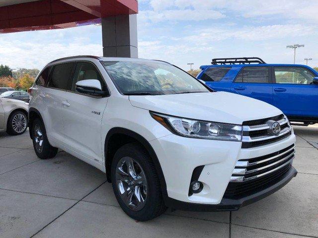 New 2019 Toyota Highlander Hybrid in High Point, NC