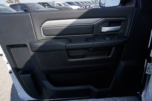 New 2019 Ram 2500 Tradesman 4x4 Reg Cab 8' Box