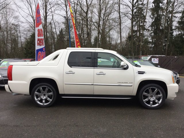 Used 2011 Cadillac Escalade EXT AWD 4dr Luxury