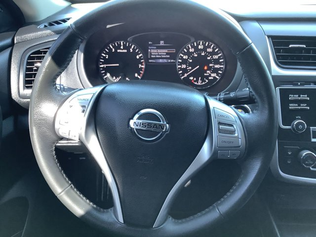 Used 2017 Nissan Altima 2.5 SV Sedan