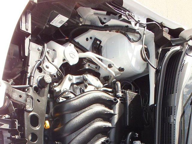 2017 Nissan Versa SV FWD 4DR