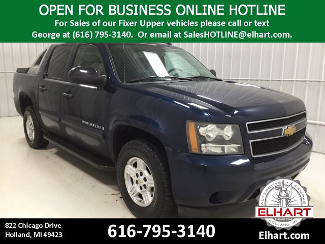 Used 2007 Chevrolet Avalanche in Holland, MI