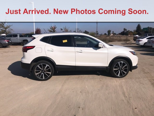 2017 Nissan Rogue Sport SL FWD SL Regular Unleaded I-4 2.0 L/122 [3]