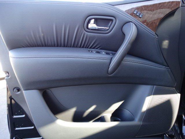 New 2016 Infiniti QX80 2WD 4dr