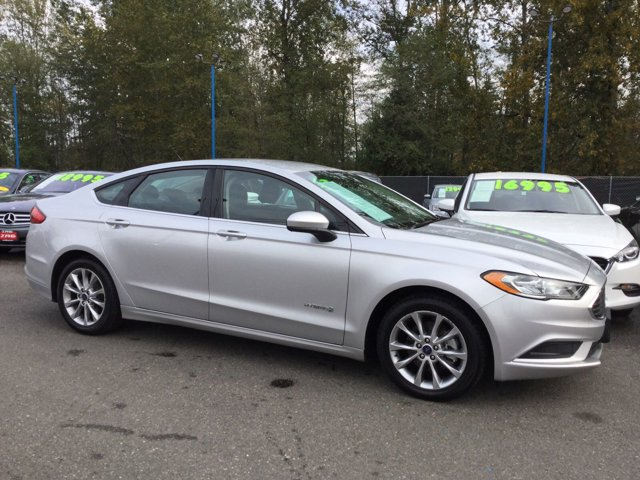 Used 2017 Ford Fusion Hybrid SE FWD