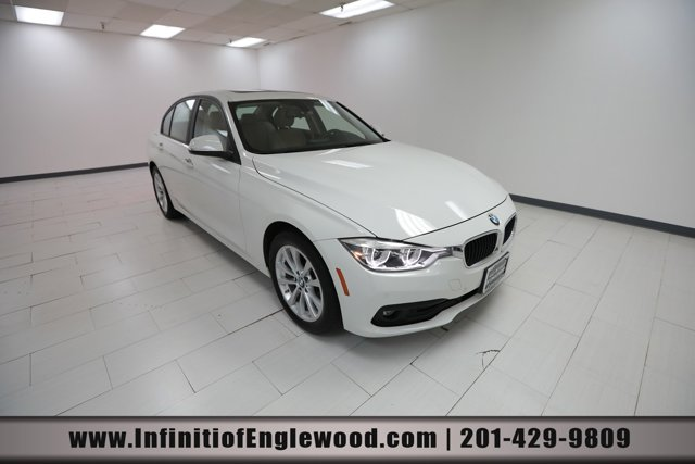 2018 BMW 3 Series 320i xDrive 320i xDrive Sedan South Africa Intercooled Turbo Premium Unleaded I-4 2.0 L/122 [9]
