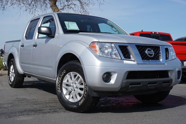 Used 2016 Nissan Frontier 2WD Crew Cab SWB Auto SV
