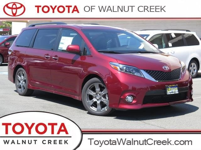New 2017 Toyota Sienna in Walnut Creek, CA