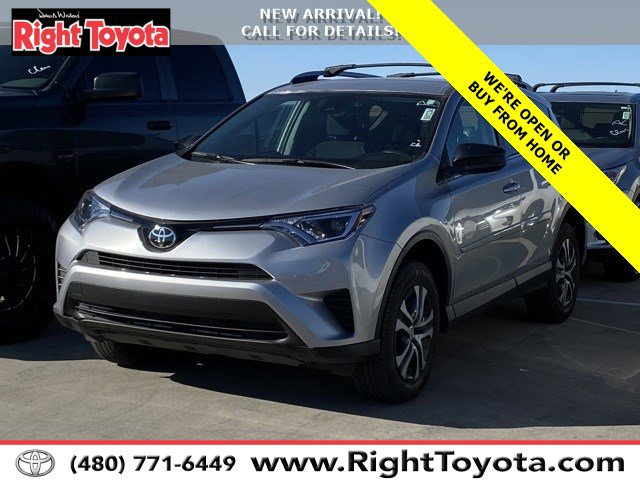 2017 Toyota RAV4 LE LE FWD Regular Unleaded I-4 2.5 L/152 [1]
