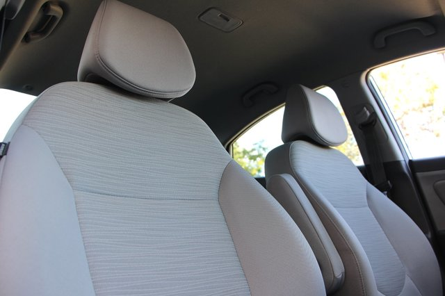 2017 Hyundai Accent SE 17