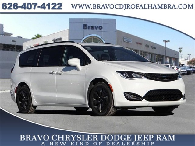 2020 Chrysler Pacifica Hybrid Touring L Hybrid Touring L FWD Gas/Electric V-6 3.6 L/220 [3]