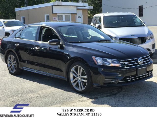 Used 2018 Volkswagen Passat in Valley Stream, NY