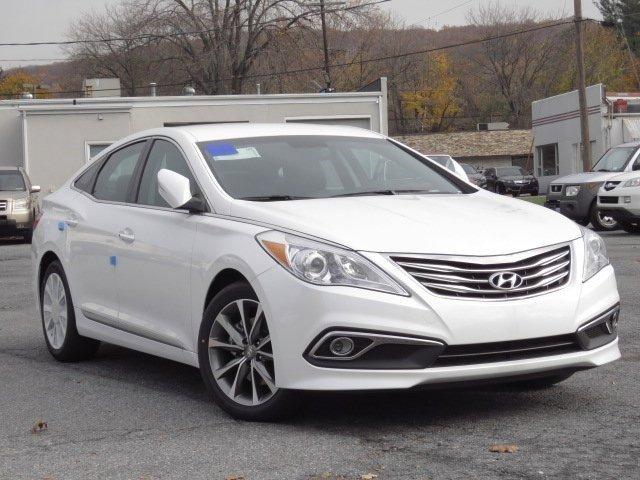 New 2017 Hyundai Azera in Emmaus, PA