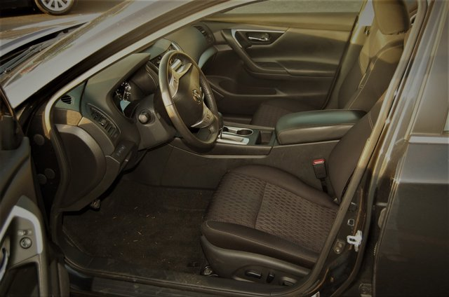 Used 2016 Nissan Altima 4dr Sdn I4 2.5 SV