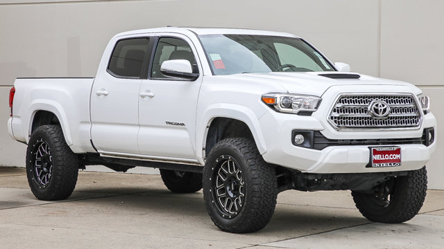 Used 2017 Toyota Tacoma in , CA