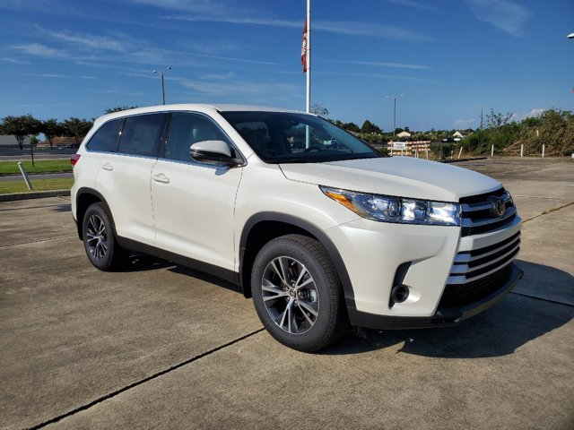 New 2019 Toyota Highlander in New Orleans, LA