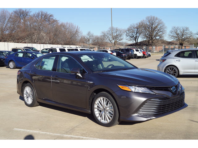 New 2020 Toyota Camry Hybrid in Hurst, TX