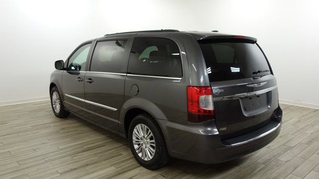 Used 2016 Chrysler Town & Country in St. Louis, MO