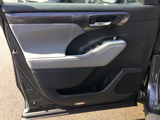 New 2020 Toyota Highlander Hybrid Limited Platinum AWD