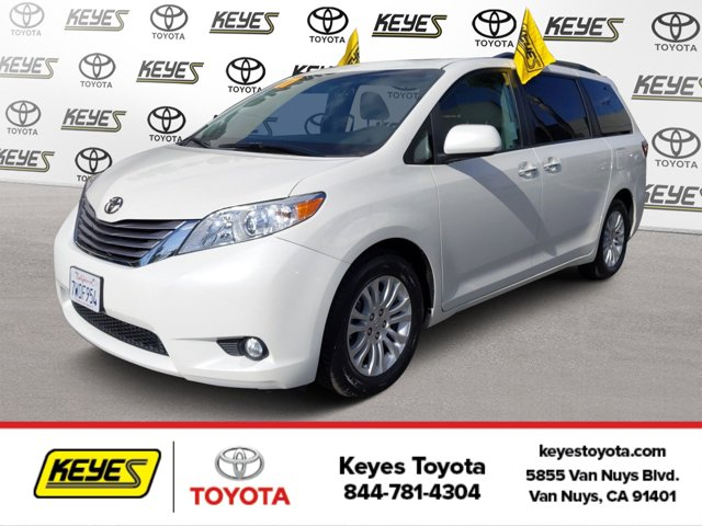 Used 2017 Toyota Sienna in , CA