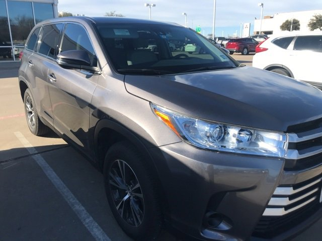Used 2019 Toyota Highlander in Hurst, TX