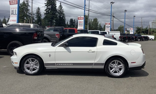 2012 Ford Mustang 2dr Cpe V6