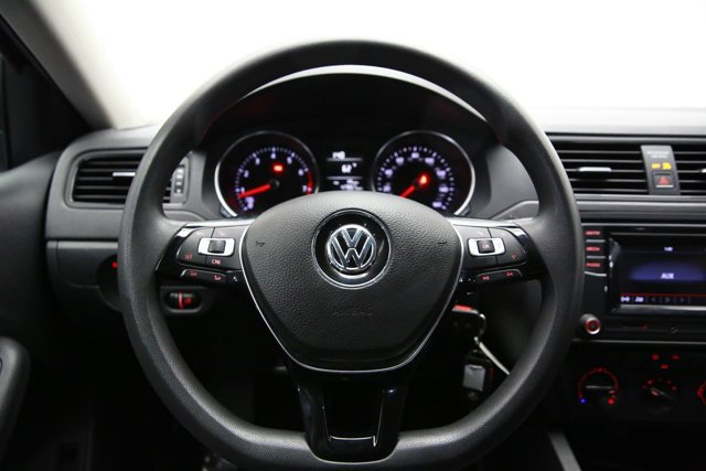 2016 Volkswagen Jetta for sale 124788 9