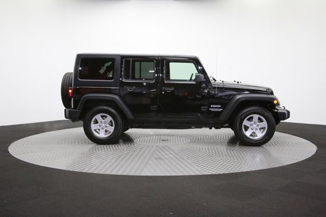 2016 Jeep Wrangler Unlimited 124726 40