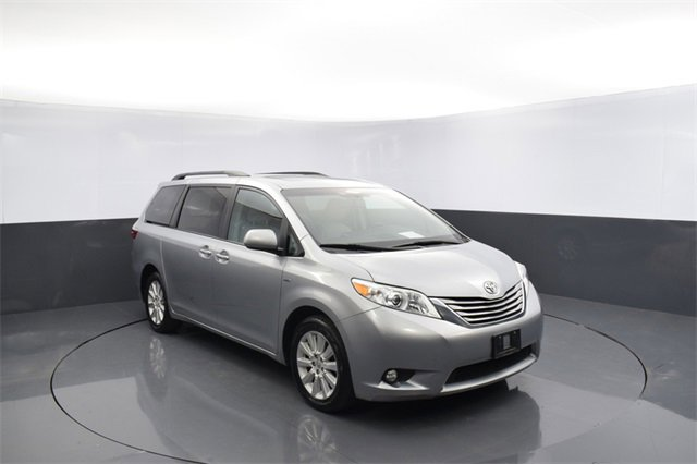 Used 2016 Toyota Sienna in Oklahoma City, OK