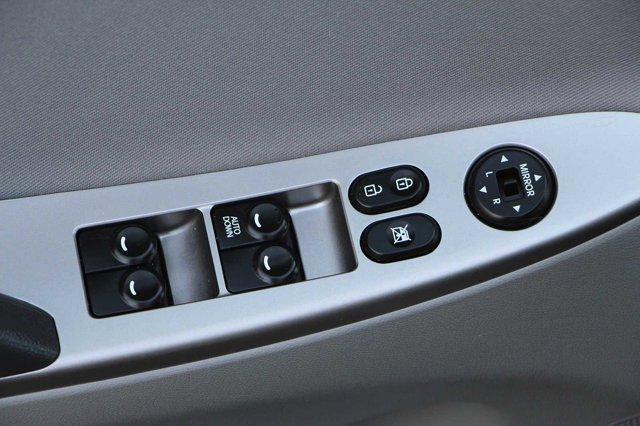 2017 Hyundai Accent SE 12