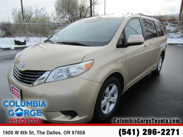 Used 2012 Toyota Sienna in The Dalles, OR