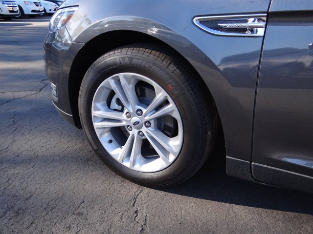 New 2016 Ford Taurus 4dr Sdn SEL FWD