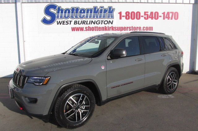 New 2020 Jeep Grand Cherokee in West Burlington, IA